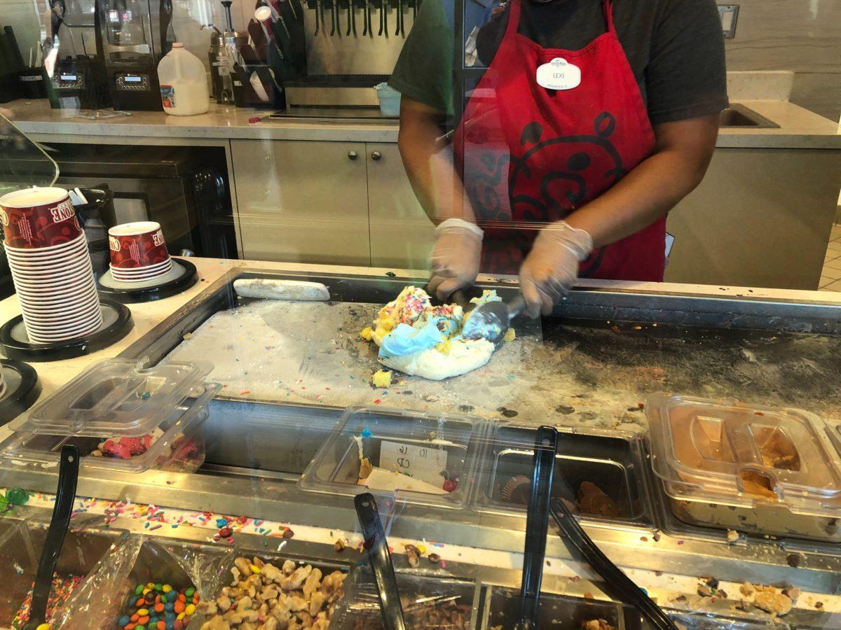 Super-Mario-Birthday-Cake-Batter-Bash-Sunday-Cold-Stone-Universal-Orlando-Resort-20-7884278
