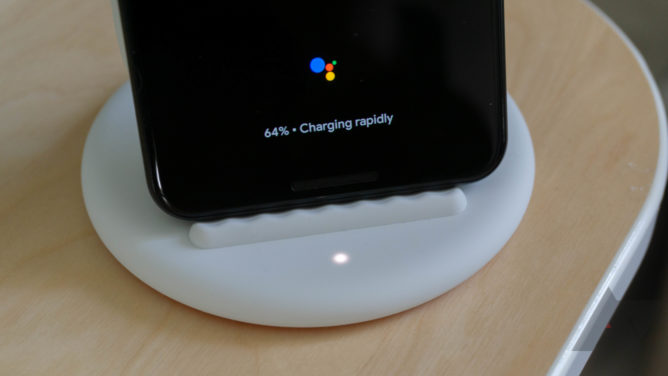 The latest pixel stand update adds easily accessible smart home controls (APK download)