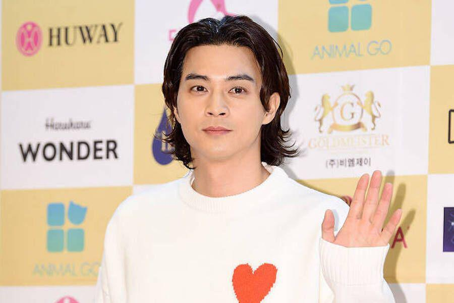Kim Ji Hoon apologizes after watching a illegally downloaded TV show