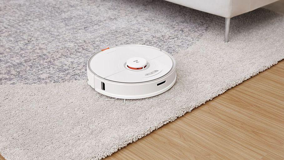 CES 2021 - Robarac Introduces S7 Robot, Part Vacuum, Part Floor Wipe