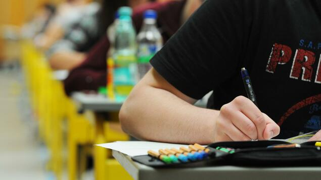 Relief from Infection: Class 10 students do not have to take the final exams in Berlin - Berlin
