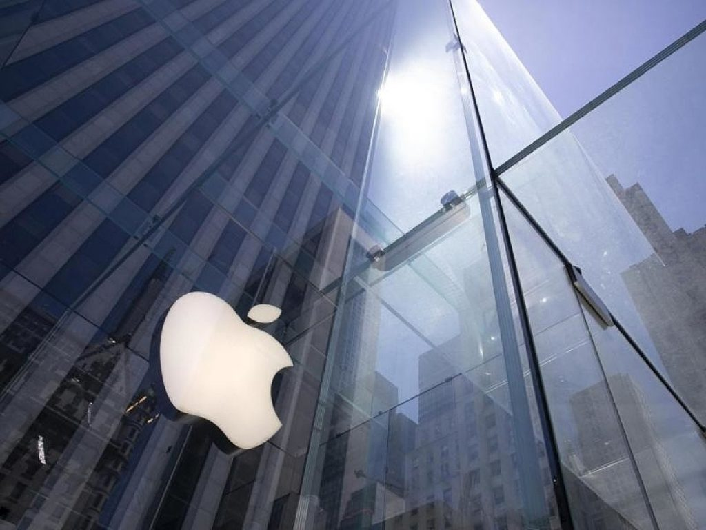 Apple vs. Open Banking: Public APIs are no longer an option for financial applications
