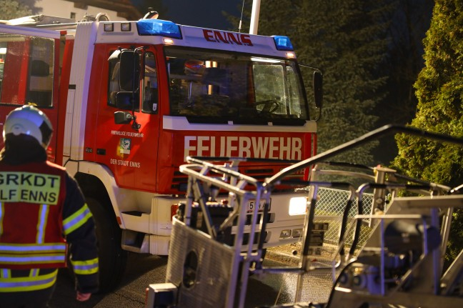 Extensive kitchen fire in a residential building in Ens leads to prolonged fire service