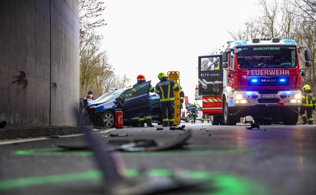 The car collided with the retaining wall of a railway underpass near the March Trunk