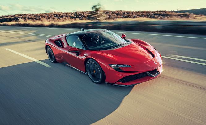 Chris Harris criticizes SF90 Stradale, Ferrari does not match - Monto Auto