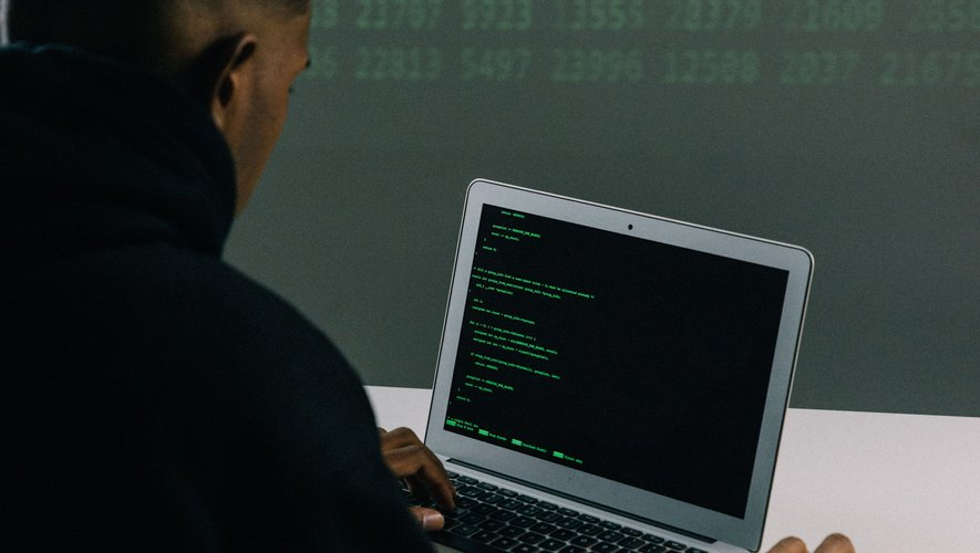 More than 3 billion emails and passwords were stolen and uploaded. Are you affected?