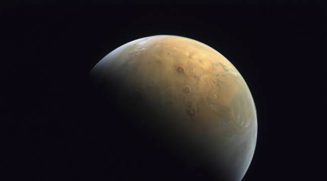 """The """"Hope"""" study sent the first image of Mars"""