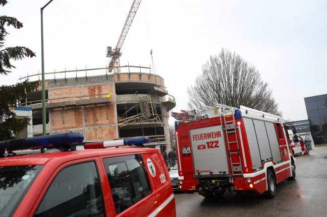 Seriously injured when scaffolding fell on a construction site in Wells-Lichenek