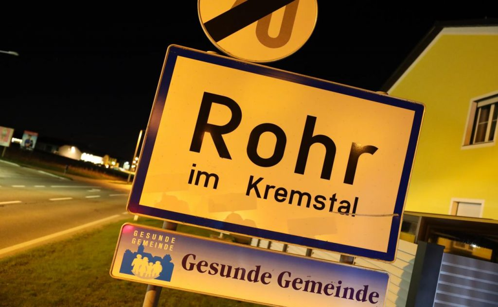 A brief plume of smoke from the boiler room leads to the deployment of firefighters at Roher Im Gremstall.