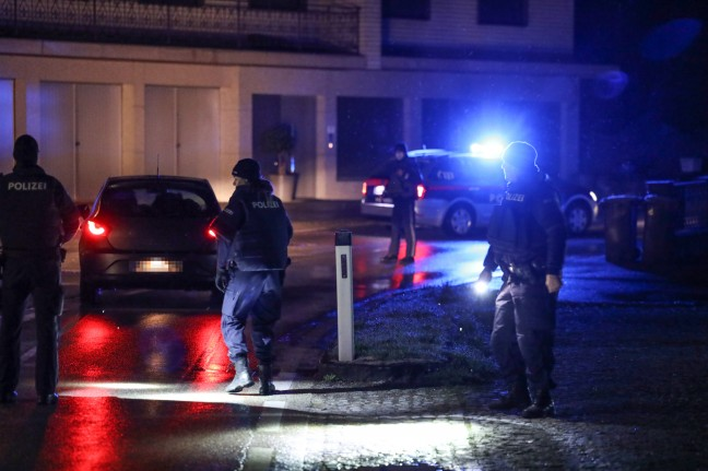 Scenes of breakage: Large-scale police operation in Chipatchell at night