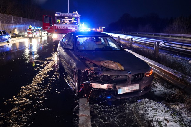 There were several traffic accidents at Welcher and West Autobahn