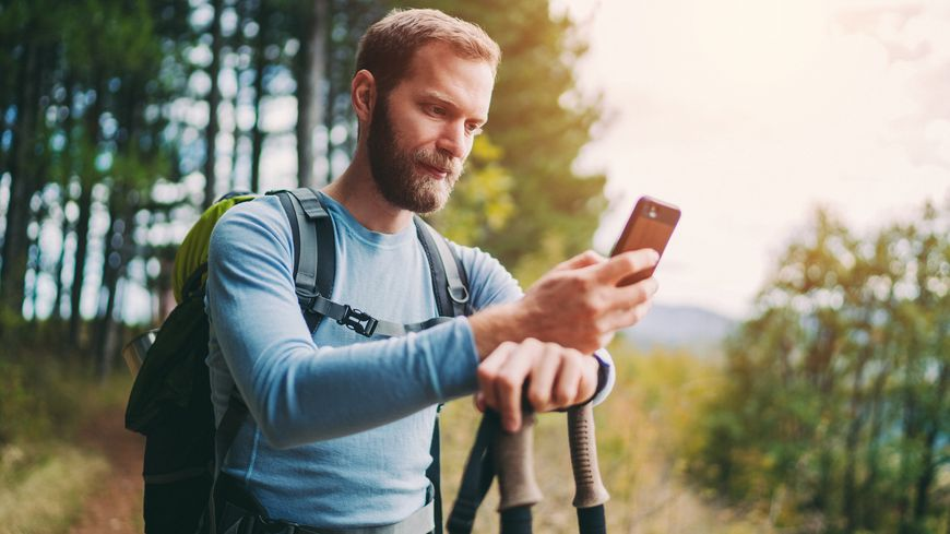 Téléchargez des applications sur votre smartphone et randonnez autrement.