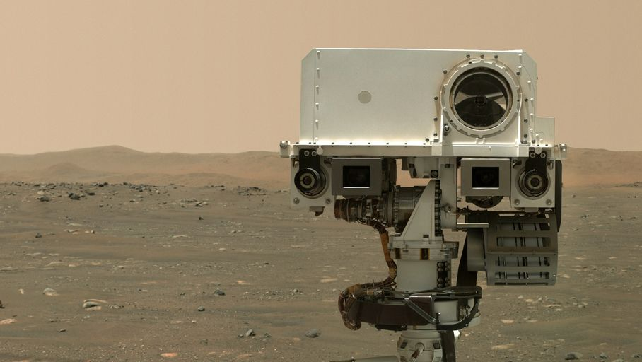 After Curiosity, the diligent rover takes a selfie on Mars