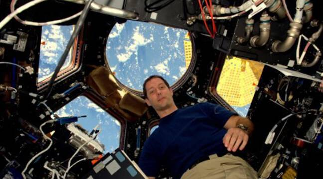 Has the astronaut, on the way to ISS, already returned to the moon with his vision?