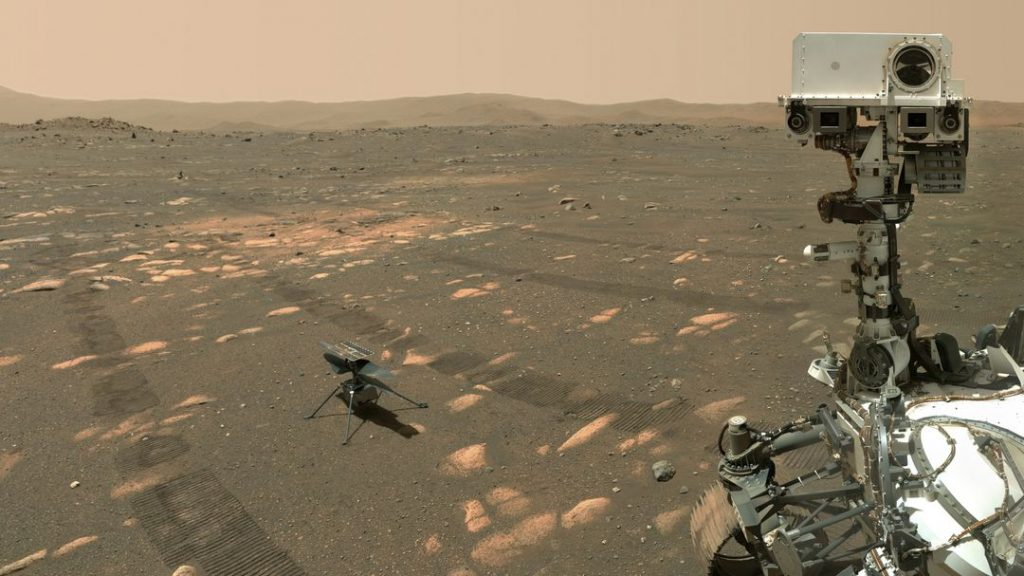 "Mars rover ""diligence"" helicopter takes a selfie with ""ingenuity"""