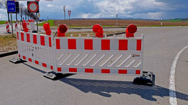 Potholes Under the Road: Brandenburg's Federal Highway B169 may be blocked for several months