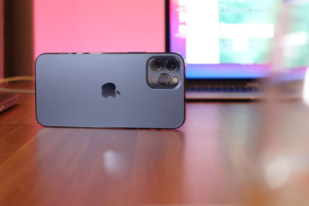 The iPhone 13 Pro Max Dummy should show off new high-end and larger cameras