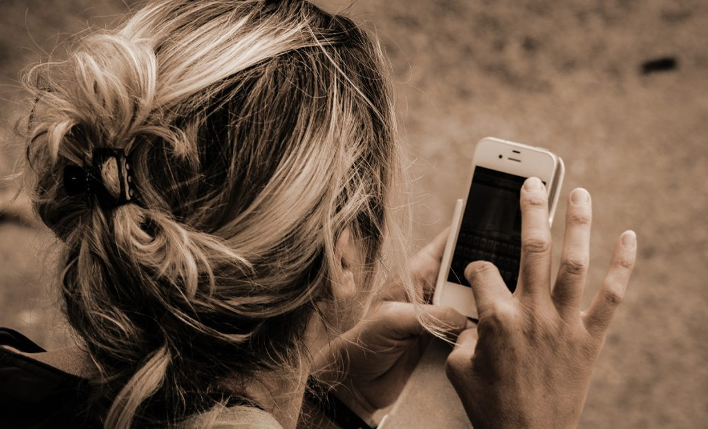 Here's what to do if your cell phone behaves this way, it is likely to be infected with a virus