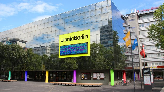 How to build without a rental cap ?: Urania discusses live with senator for Berlin's urban development project - Berlin