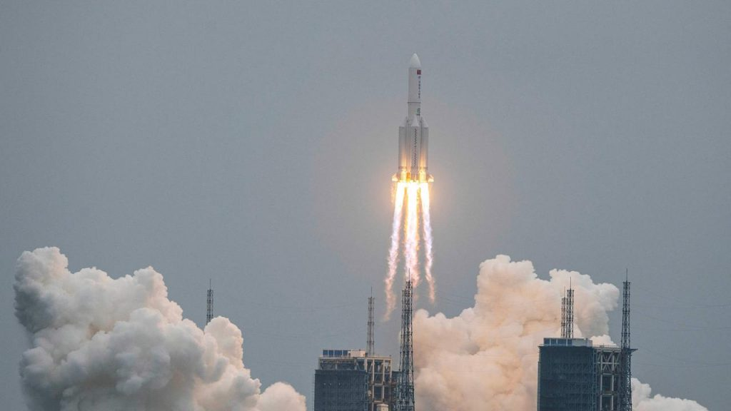 Part of the Chinese rocket continues to fall towards the Earth without knowing its target