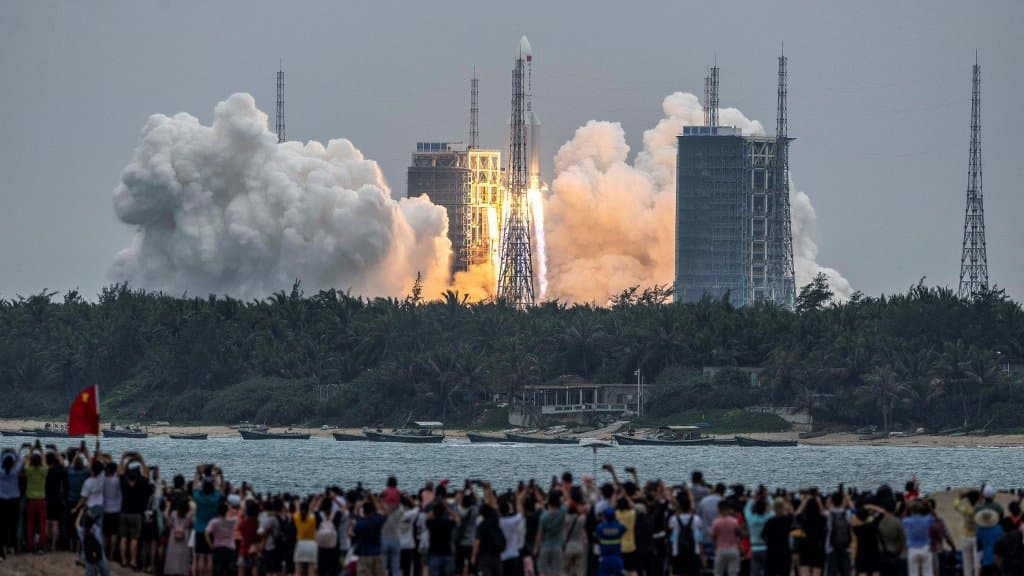 Part of the Chinese rocket lands without knowing where it is landing