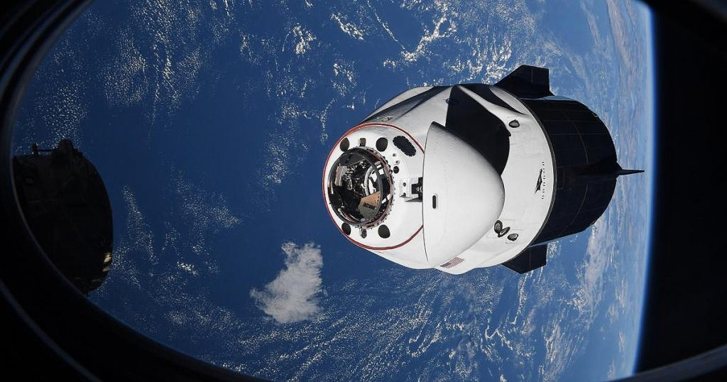 SpaceX brings back four astronauts from the Crew Dragon capsule International Space Station