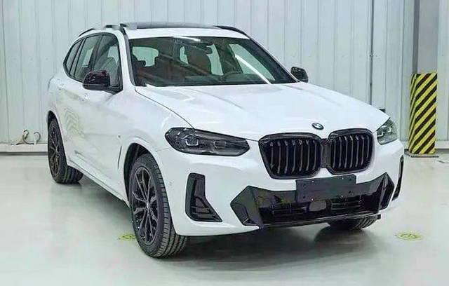 BMW X3: le foto spia del restyling