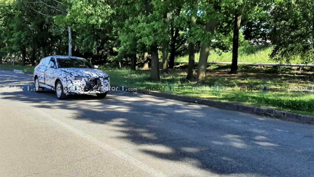Alfa Romeo Donale spy photo