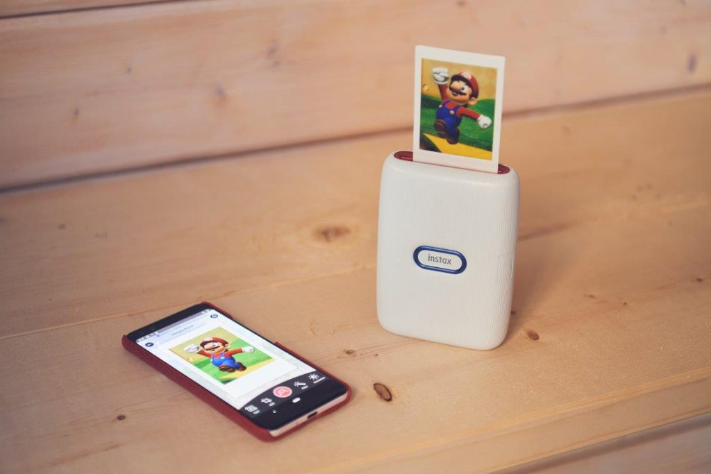 Printer for smartphones and Nintendo Switch, how the Instax Mini Connect works