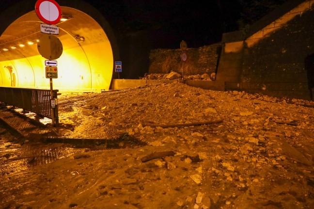 Landslide: Displaced by landslide after Hurricane Salskamerkutstras near Trankirchen