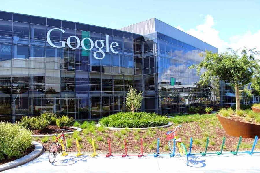 Google logo campus