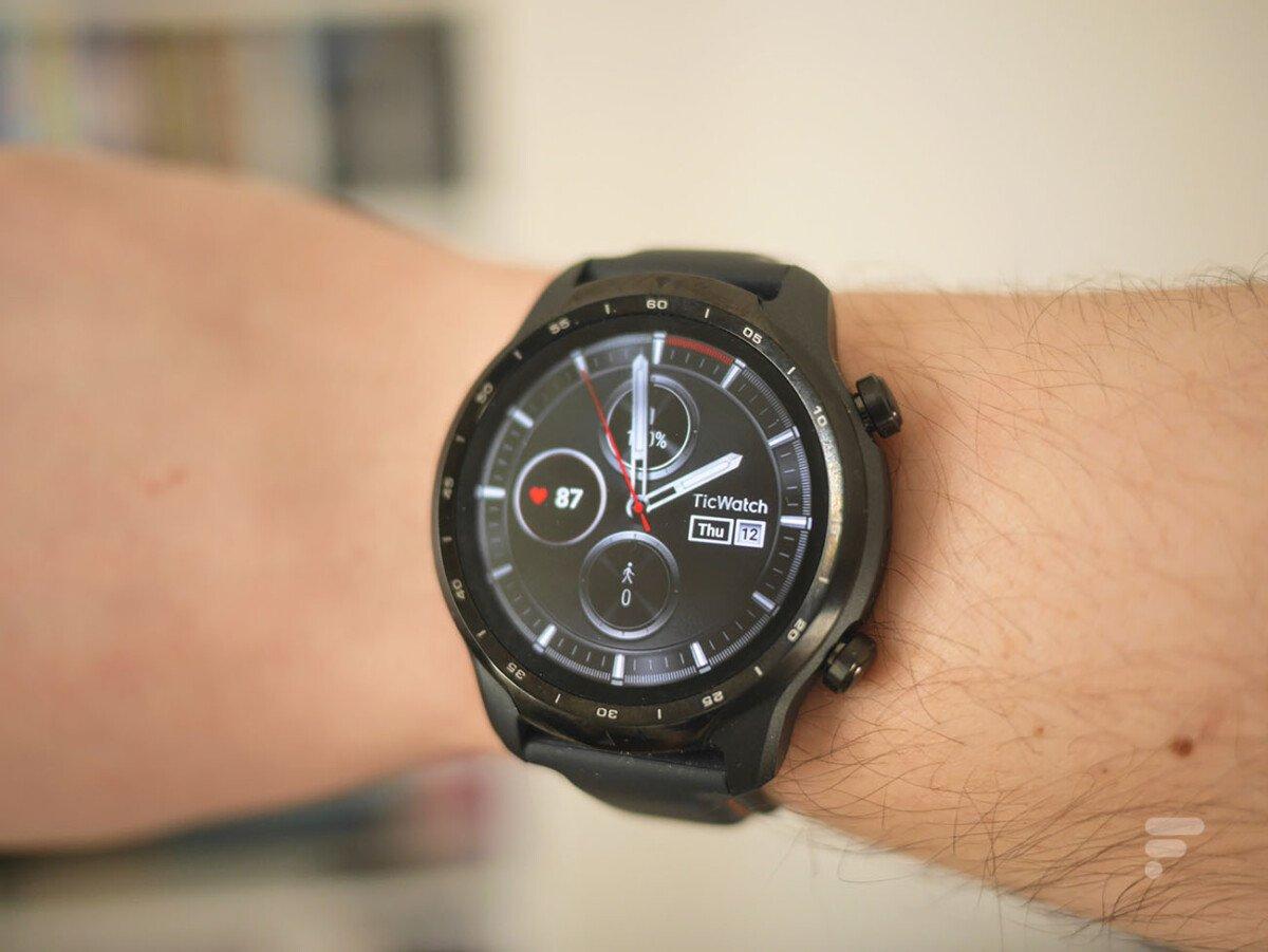 Digwatch Pro3 Watch under Wire OS //: Source: Frontroid