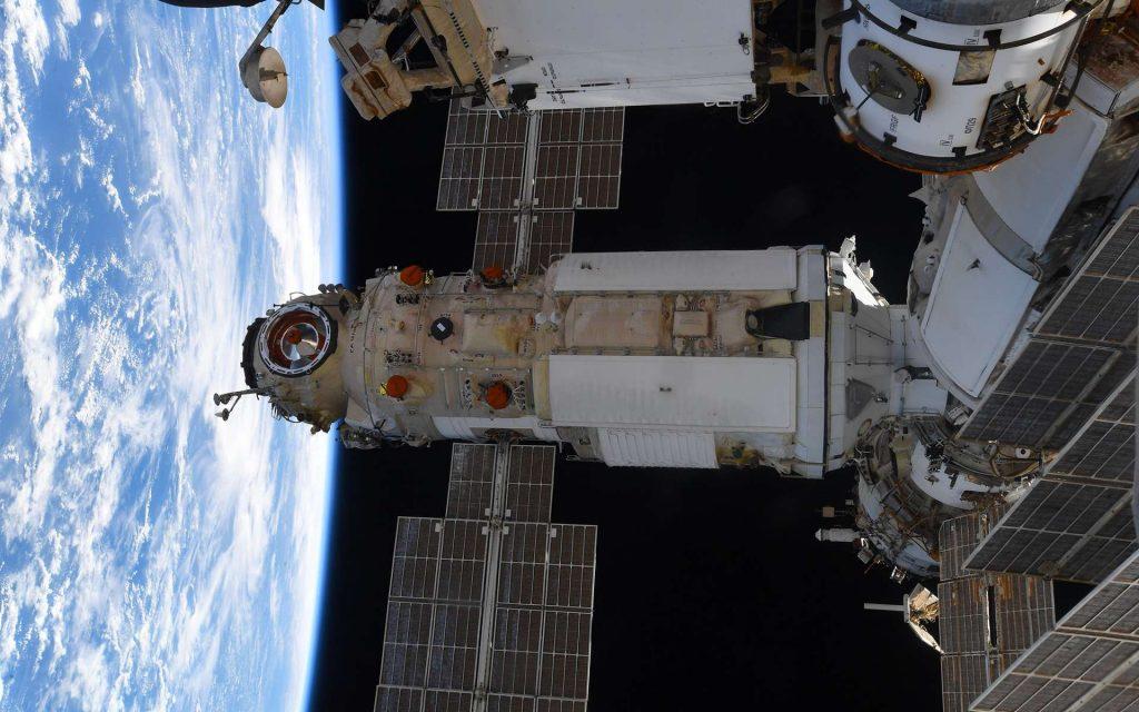 Le module russe Nauka, après son amarrage au module Zvezda. © ESA, Nasa, T. Pesquet