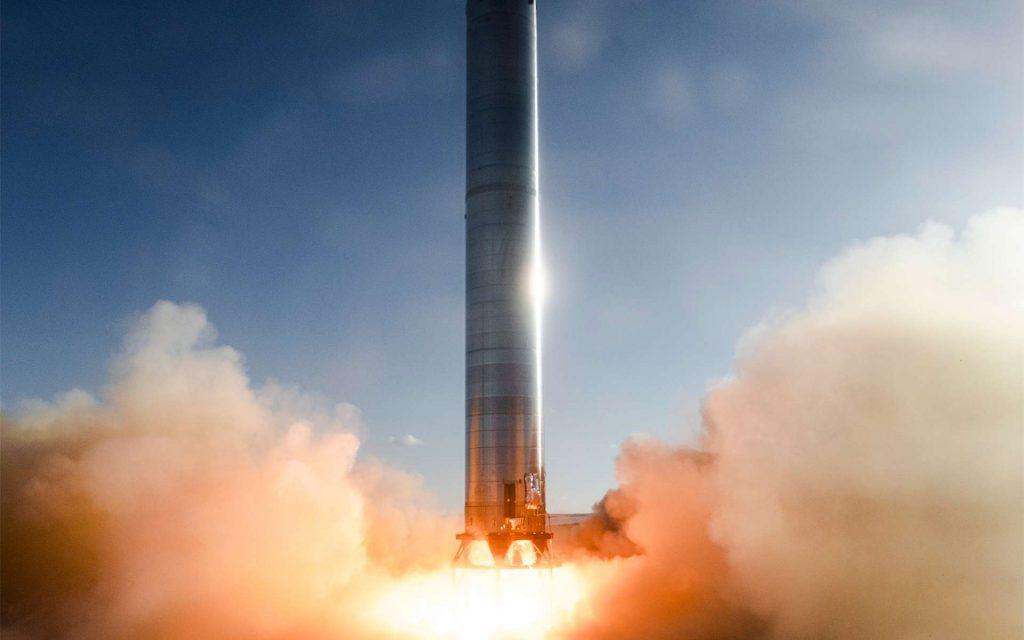 Essai statique des trois moteurs Raptor du booster 3, étage de test du Super heavy. © SpaceX