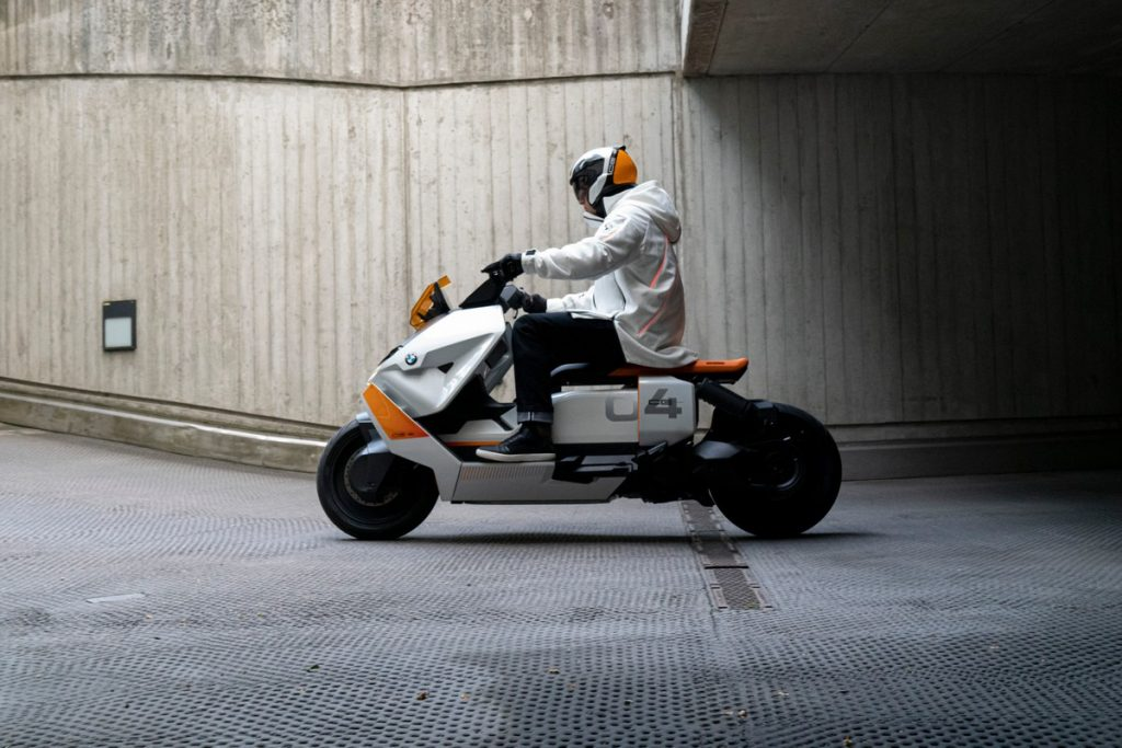 The new electric scooter, BMW Definition CE04, will be launched on July 7th
