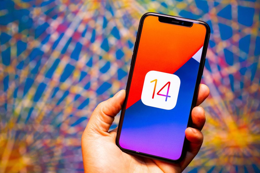 iOS 14.6 drains people's iPhone batteries. Here is an easy solution