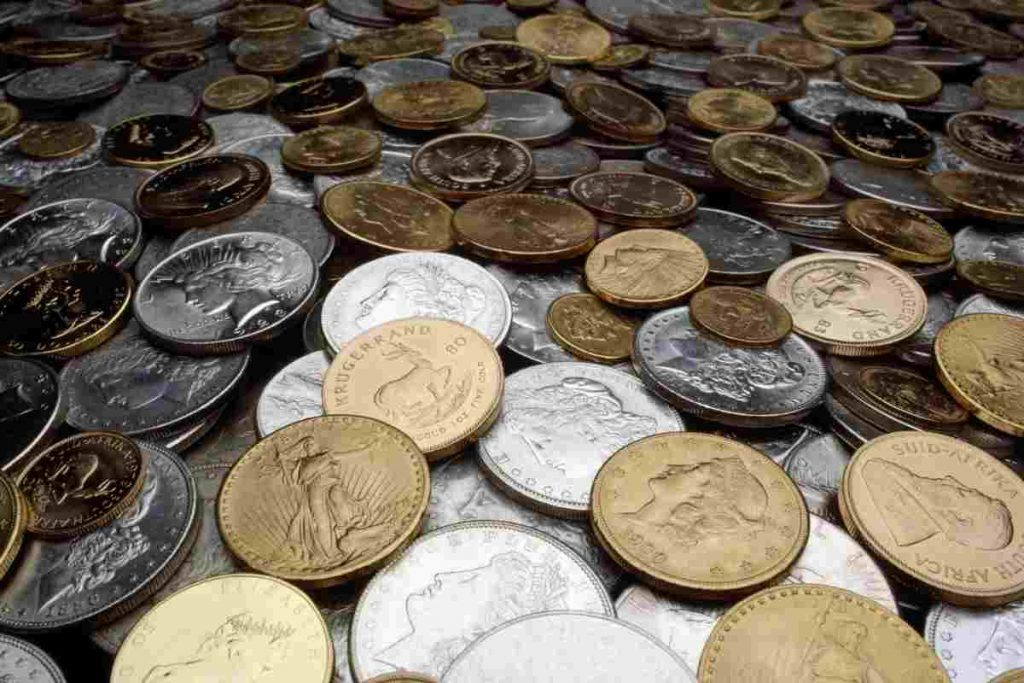 Rare coins, an old 20 lira worth an old