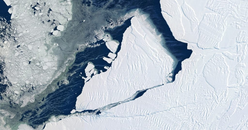 """Antarctica, """"high temperatures under ice"""".  By the end of the century the sea may have risen half a meter - Libero Cottidiano"""