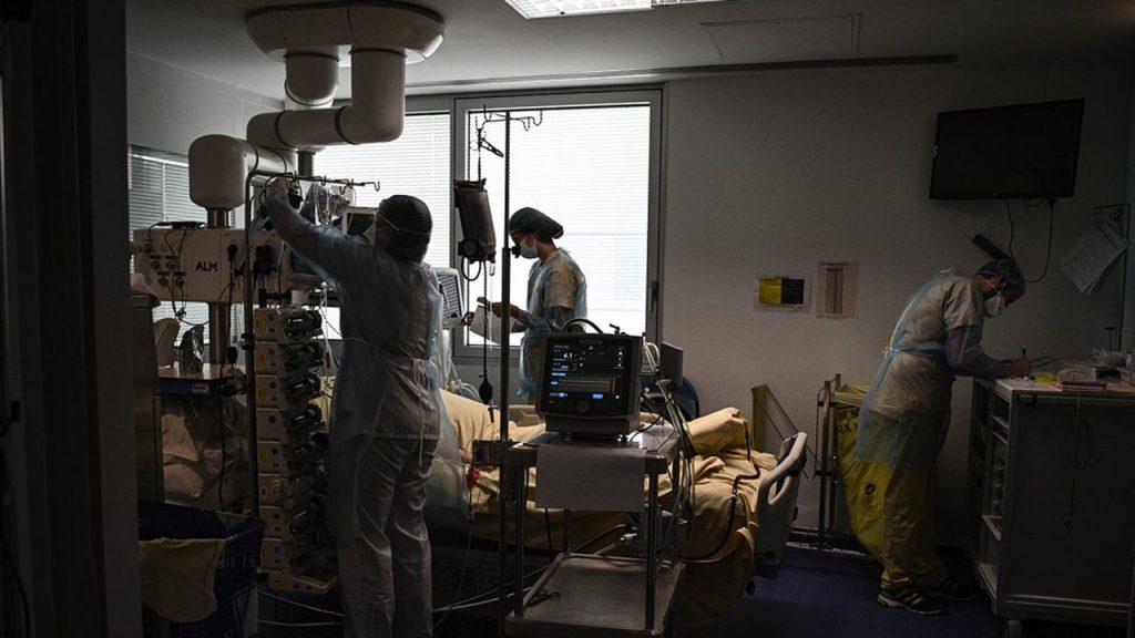 9.153 personnes sont hospitalisées pour Covid-19, dont 1.745 en soins critiques selon Santé publique France.