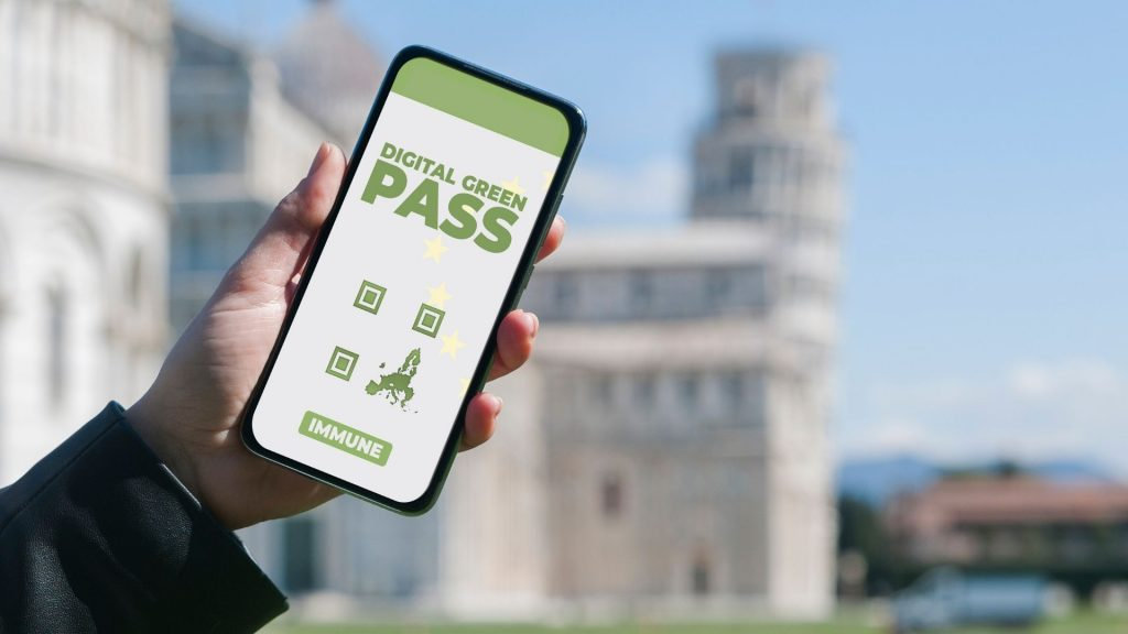 Download Green Pass on your smartphone after vaccination