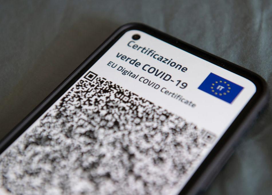 Come scaricare il green pass su iPhone e Android