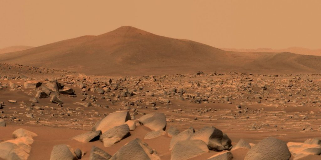 Why NASA is looking for candidates to simulate life on Mars