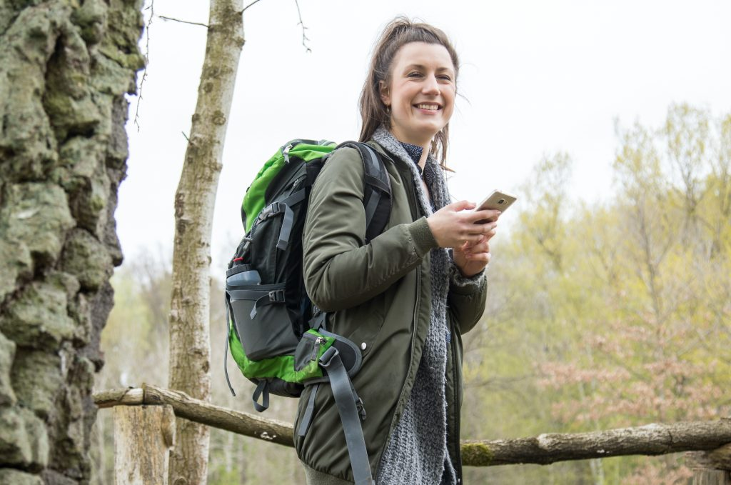 What do common walking applications do?  - Travelbook