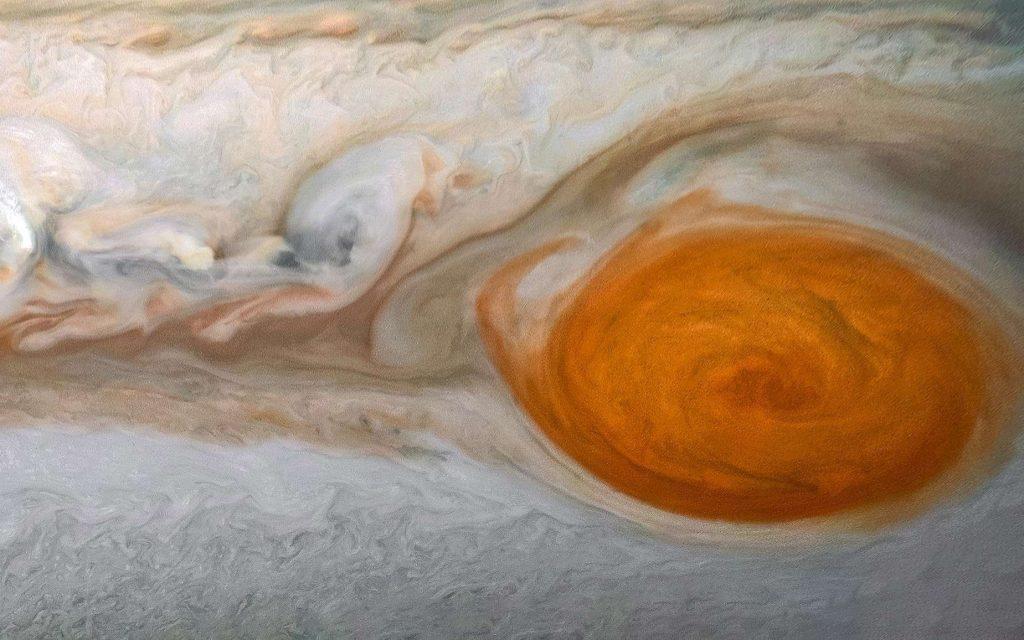 Des données du télescope spatial Hubble montrent que les vents aux limites de la Grande Tache rouge de Jupiter se sont accélérés au cours de ces dix dernières années. Photo : détails de la Grande Tache rouge de Jupiter photographiée par la sonde spatiale Juno. © Nasa, JPL-Caltech, SwRI, MSSS, Image processing by Kevin M. Gill, © CC BY