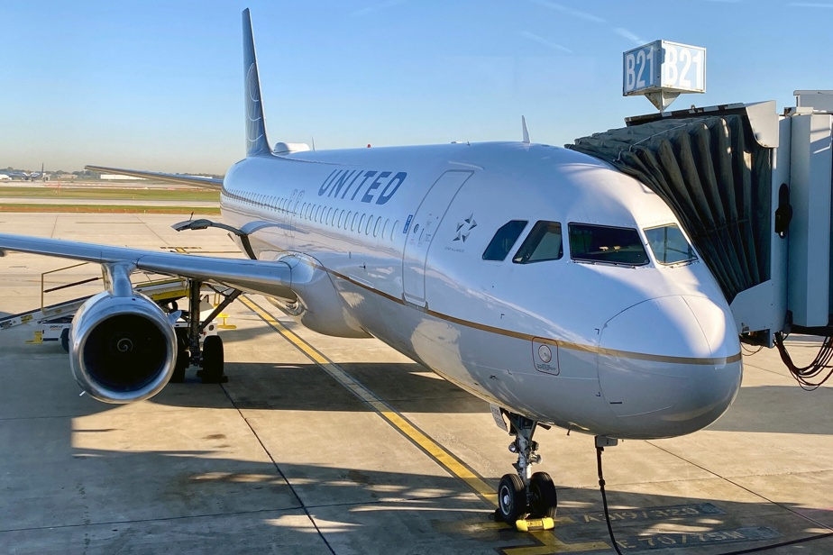 'Vaccine demands work' |  More than 320 unvaccinated employees at United Airlines