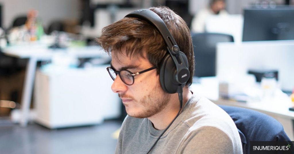"""AKG K371 Review: Updating """"Tracking"""" Headphones According to AKG"""