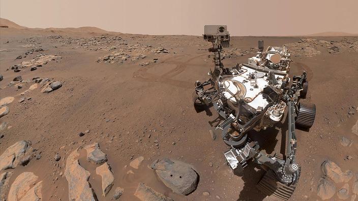 Toutes ces observations, que le rover a réussi à faire en se tenant à plus de 2 km de distance des formations géologiques étudiées, vont désormais permettre d
