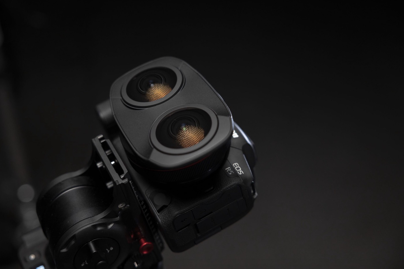 VR Canon lens